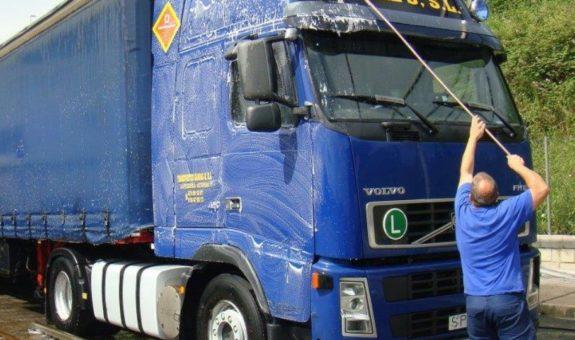 limpieza-exterior-camion-quimica-masul